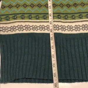 Old Navy Sweaters - 🎁🆕 NWT Beautiful green patterned sweater